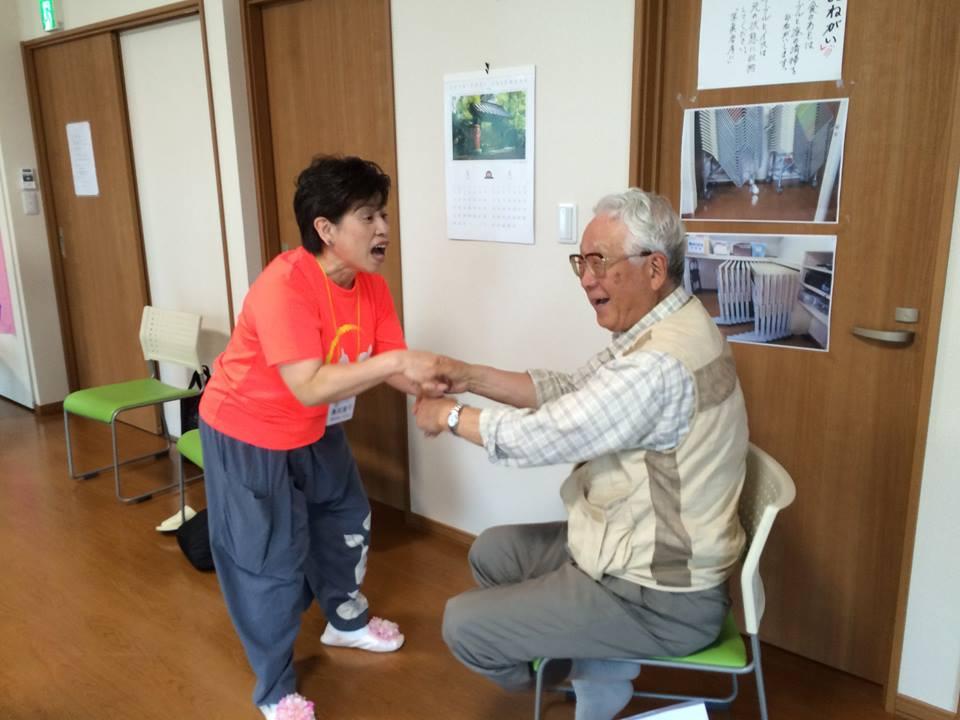 2016.6.25 第25回談笑会「笑いヨガ」